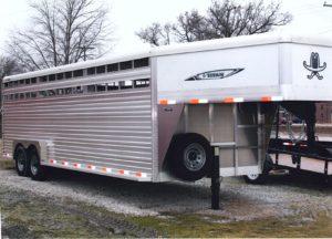 24' Aluminum Titan Livestock trailer